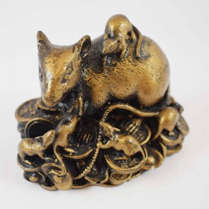 Brass Wealthy Rat Family on Treasure invites positive energies that attract an abundance of wealth luck YC-RAT01