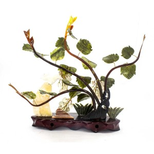 Artificial Jade Figurines White Grapes, Squirrel & Other ART Figurines Based On Wooden Platform Medium - NS-JADEGR-01