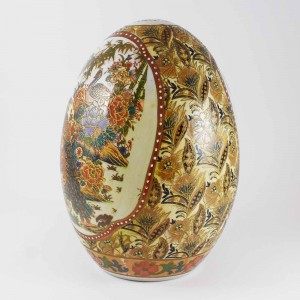 Vintage Satsuma Egg, Satsuma Pottery Egg Of 6 Inch Size With Handpainted  Chinoiseries, Painted Ceramic Porcelain Egg Form Decorative Accessory, Detailed With Peacock, Floral Blossoms CHE6-03