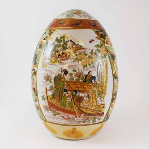 Vintage Satsuma In Geisha Decorated Porcelain Egg 8 Inch Gold Color CHE8-01